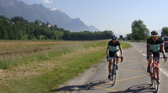 Cycling the picturesque roads of France - Magnifique!