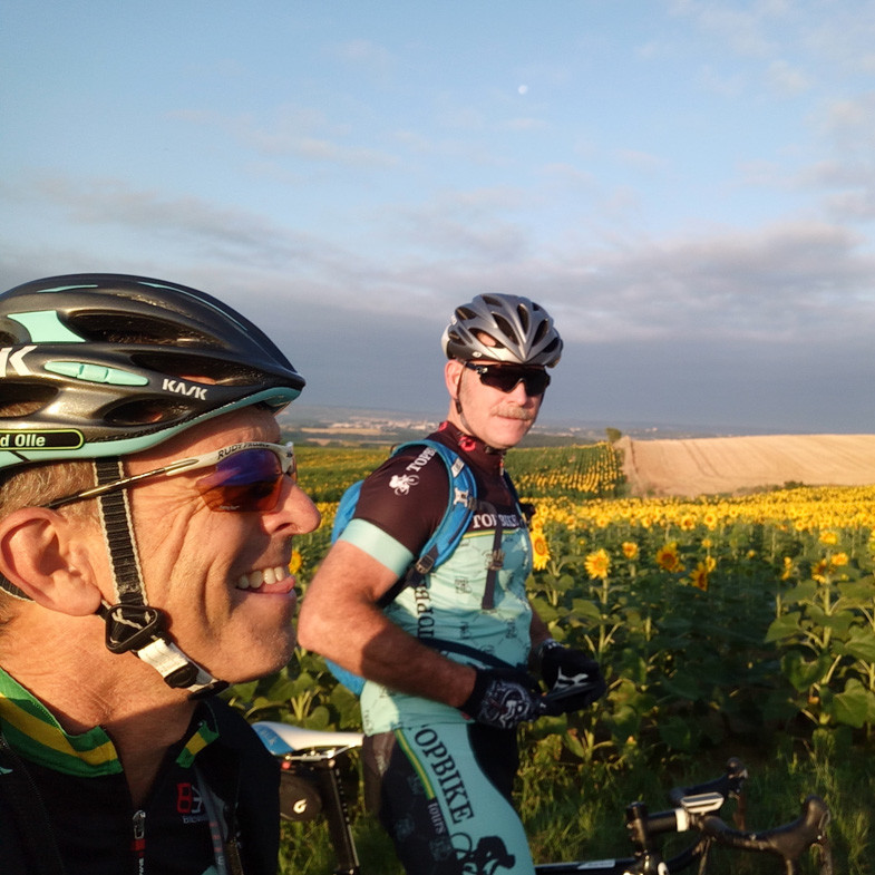 David Olle (L) and Sandy Maxwell (R) Topbike Tours TDF, France