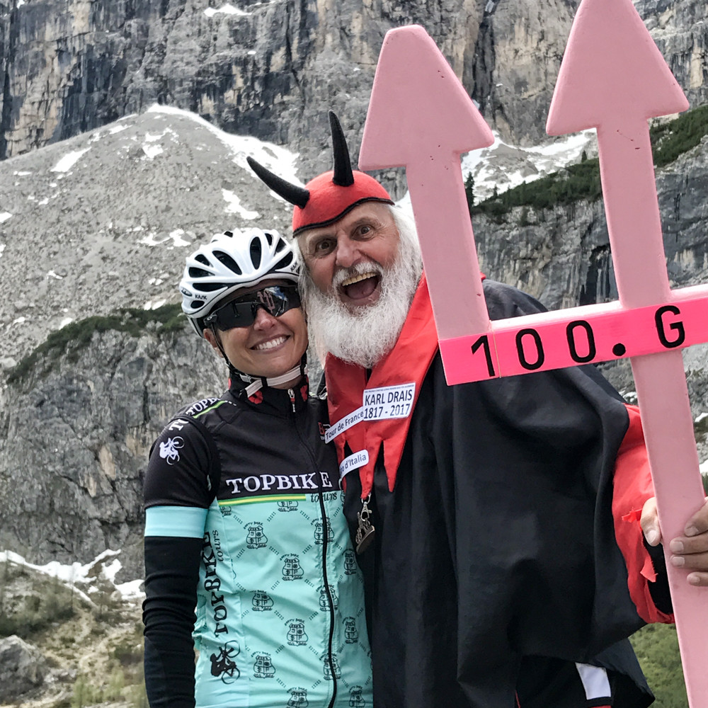 Daniela (@isolachianina) with the Devil during the 100st Giro d'Italia