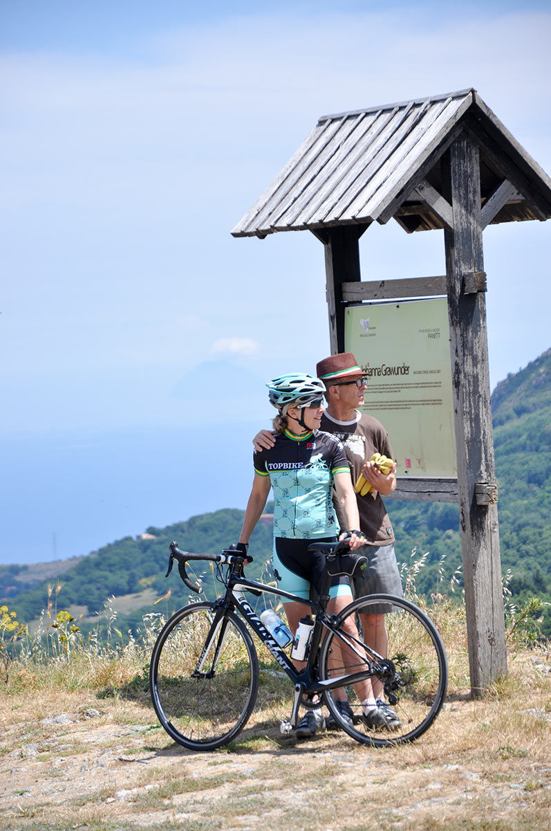 Topbike Tours - Emma Colson and David Olle on Tour in Sicily